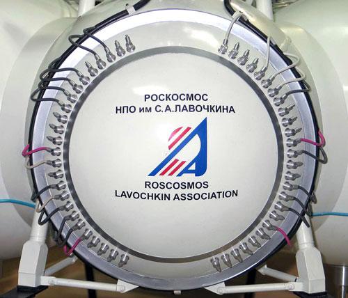 По словам генерального директора нпо сергея лемешевского, первые летные испытания пройдут в октябре-ноябре
